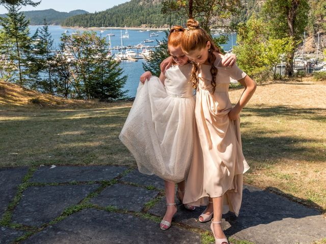 Mike and Stephanie's wedding in Pender Island, British Columbia 12