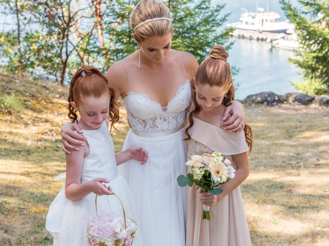 Mike and Stephanie's wedding in Pender Island, British Columbia 17