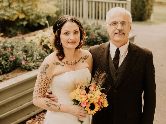 Chris and Sarah's wedding in Thunder Bay, Ontario 16
