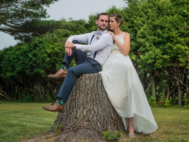 Adam and Sophie's wedding in Nicolet, Quebec 11