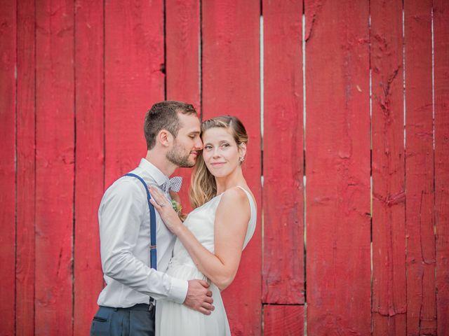 Adam and Sophie's wedding in Nicolet, Quebec 19