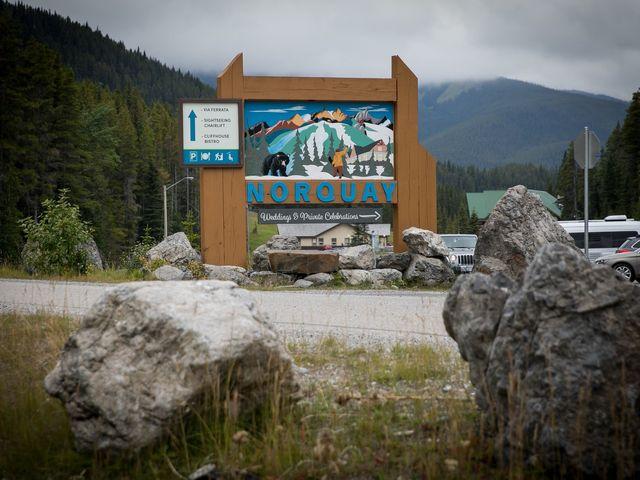 Lucia and Gordon's wedding in Banff, Alberta 3
