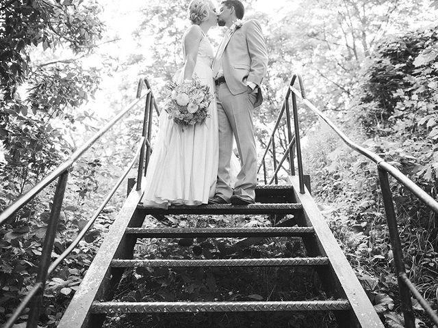 Jon and Molly's wedding in St Davids, Ontario 18
