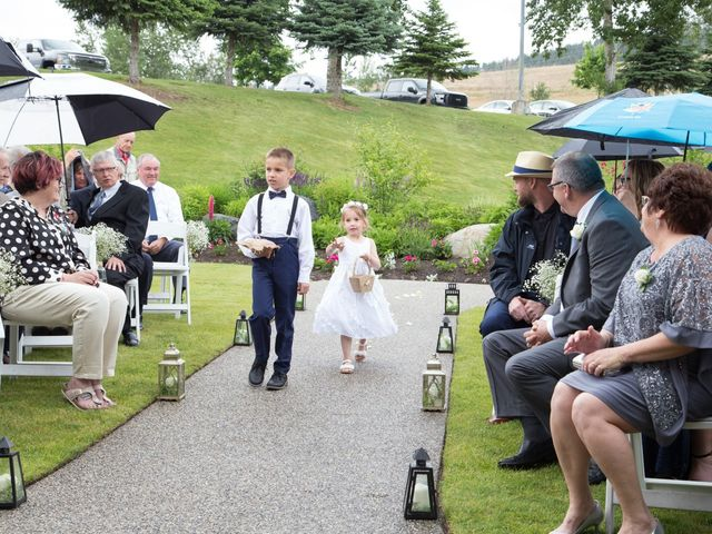 Nick and Stephanie's wedding in Kelowna, British Columbia 9