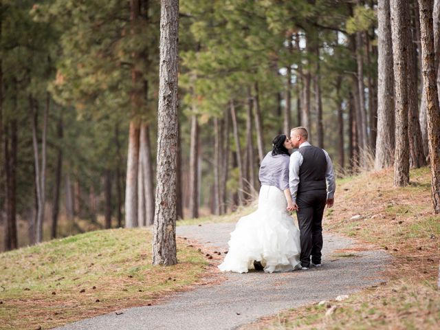 Leanna and David's wedding in Kelowna, British Columbia 11