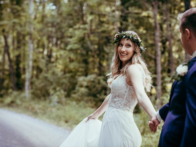 Bethany and Todd's wedding in Coboconk, Ontario 3
