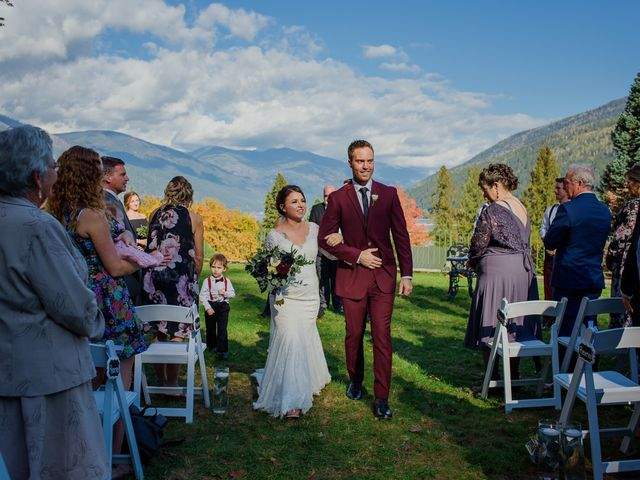 Clayton and Brittany's wedding in Nelson, British Columbia 14