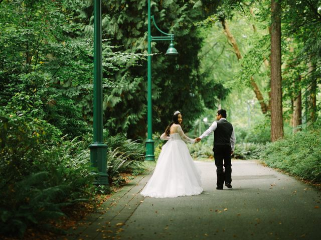Thien and Nguyen's wedding in Vancouver, British Columbia 14