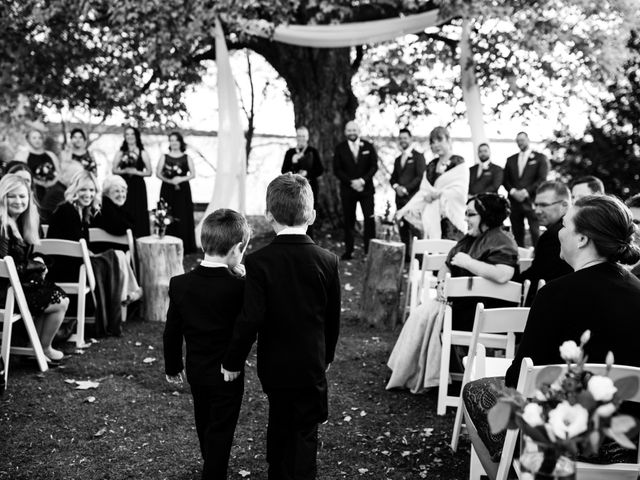 Jeffrey and Lisa's wedding in Bobcaygeon, Ontario 34