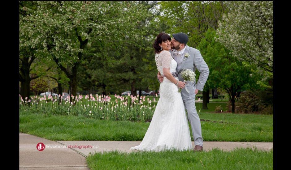 Jesse  and Nikki 's wedding in Windsor, Ontario