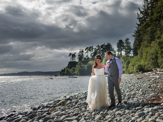 Rich and Ashlee's wedding in Sooke, British Columbia 17