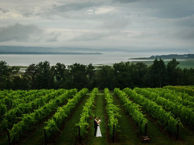 Logan and Rebecca's wedding in Wolfville, Nova Scotia 26