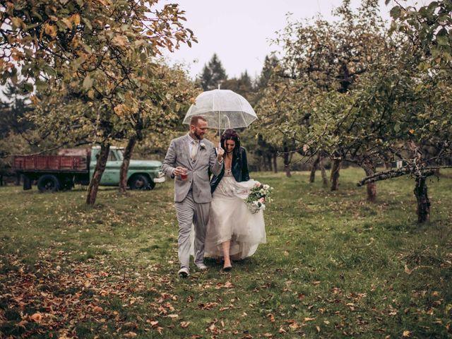 Rob and Alyssha's wedding in Vancouver Island, British Columbia 38