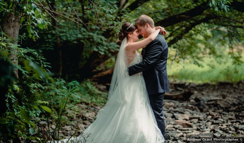 Nicole and Geoffrey's wedding in Pembroke, Ontario
