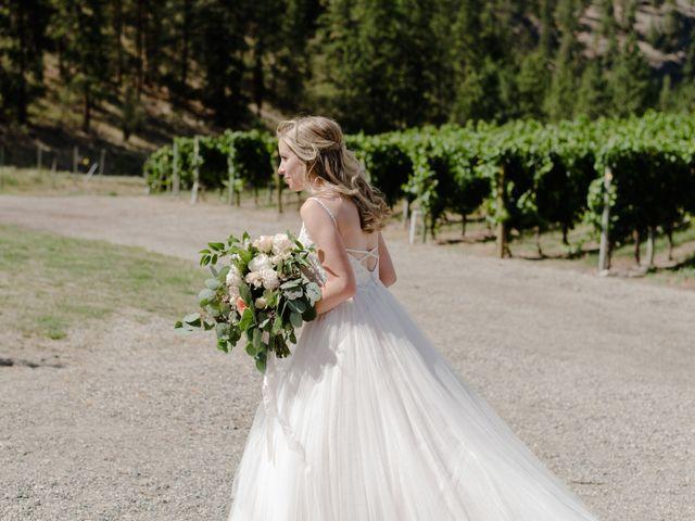 Andrew and Lindsay's wedding in Okanagan Falls, British Columbia 3