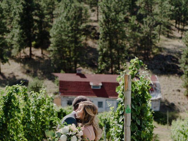 Andrew and Lindsay's wedding in Okanagan Falls, British Columbia 6