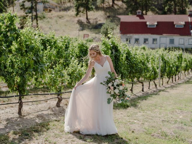 Andrew and Lindsay's wedding in Okanagan Falls, British Columbia 17