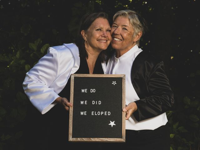 Laurie and Wendy's wedding in Tofino, British Columbia 8