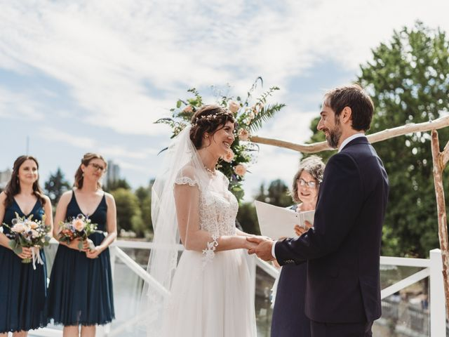Stefan and Laura's wedding in Vancouver, British Columbia 29