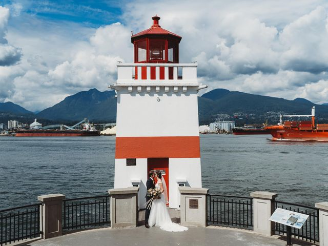 Stefan and Laura's wedding in Vancouver, British Columbia 38