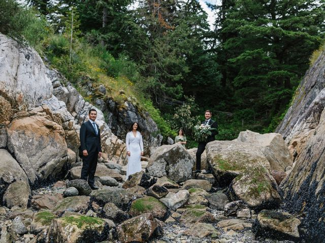 Rob and Katie's wedding in West Vancouver, British Columbia 27