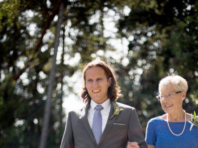 Stuart and Angela's wedding in Parksville, British Columbia 8