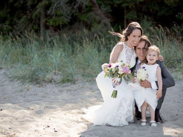 Stuart and Angela's wedding in Parksville, British Columbia 13