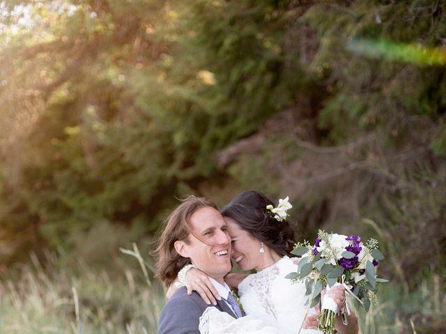Stuart and Angela's wedding in Parksville, British Columbia 14