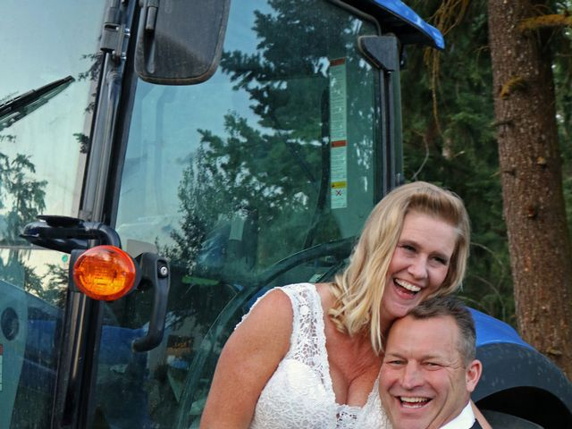 James and Deb's wedding in Armstrong, British Columbia 14