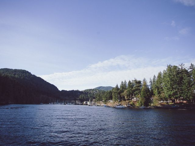 Matt and Lindsey's wedding in Bowen Island, British Columbia 3