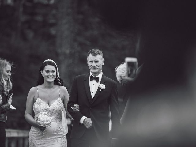 Matt and Lindsey's wedding in Bowen Island, British Columbia 17