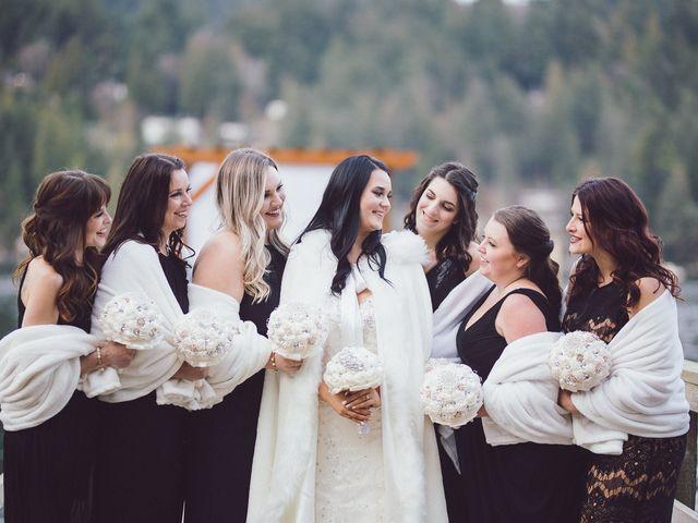 Matt and Lindsey's wedding in Bowen Island, British Columbia 25