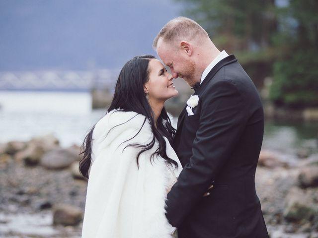 Matt and Lindsey's wedding in Bowen Island, British Columbia 29