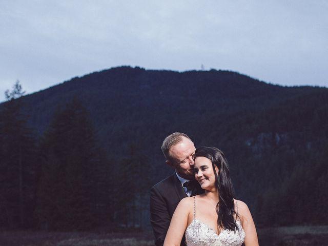 Matt and Lindsey's wedding in Bowen Island, British Columbia 32