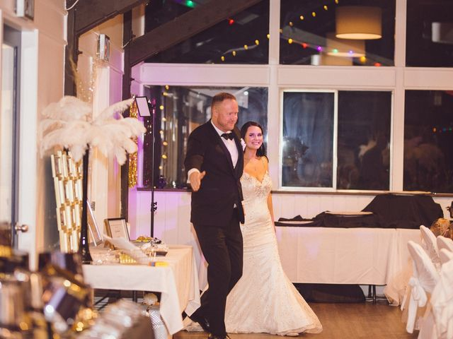 Matt and Lindsey's wedding in Bowen Island, British Columbia 38