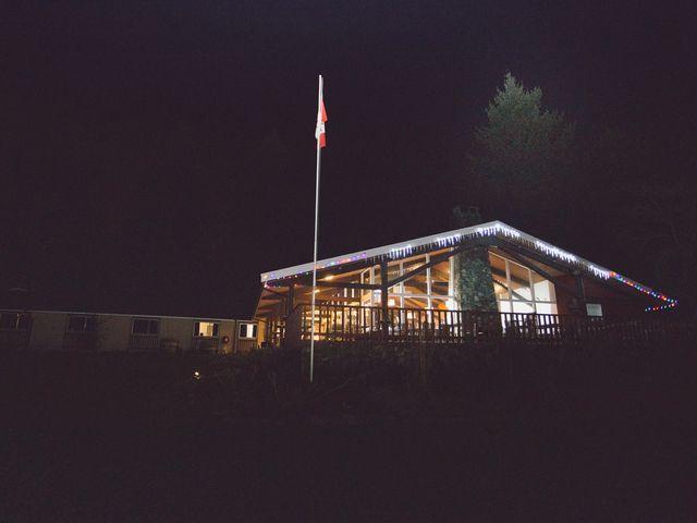Matt and Lindsey's wedding in Bowen Island, British Columbia 44