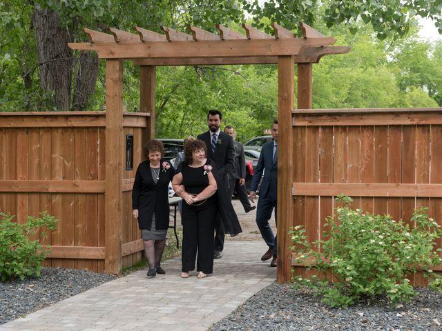 Larissa and Ryan's wedding in Winnipeg, Manitoba 17