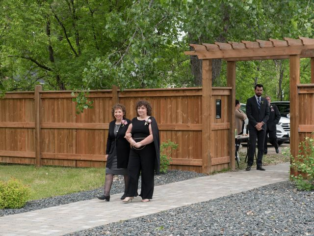 Larissa and Ryan's wedding in Winnipeg, Manitoba 18