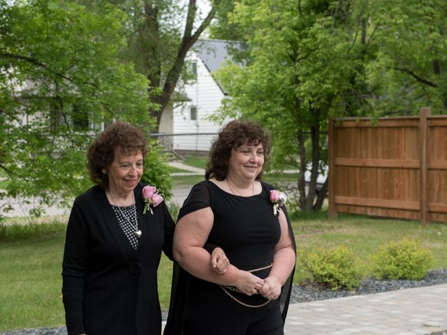 Larissa and Ryan's wedding in Winnipeg, Manitoba 20