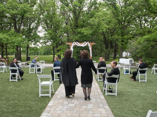 Larissa and Ryan's wedding in Winnipeg, Manitoba 21