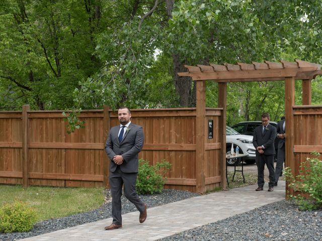 Larissa and Ryan's wedding in Winnipeg, Manitoba 23