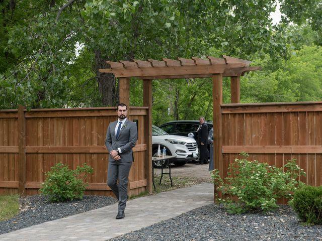 Larissa and Ryan's wedding in Winnipeg, Manitoba 28