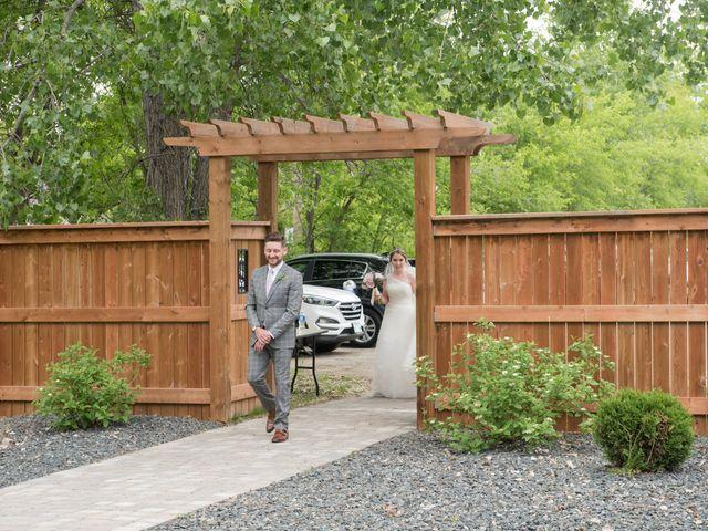 Larissa and Ryan's wedding in Winnipeg, Manitoba 30