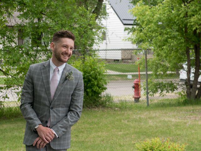 Larissa and Ryan's wedding in Winnipeg, Manitoba 31