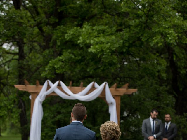 Larissa and Ryan's wedding in Winnipeg, Manitoba 36