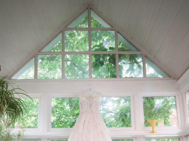 Alicia and Nicolas's wedding in Durham, Ontario 3