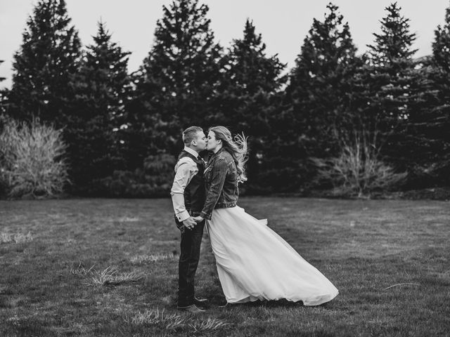 Mike and Ashley's wedding in Chilliwack, British Columbia 9