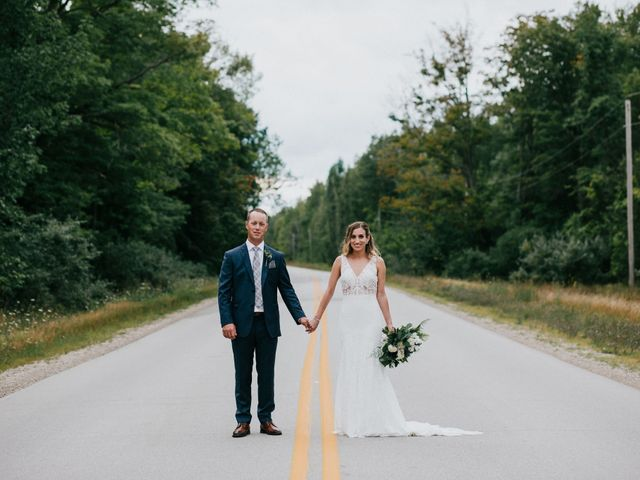 Travis and Alexandra's wedding in Port Elgin, Ontario 20