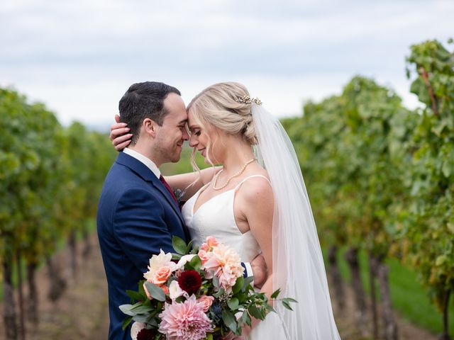 Cody and Beth's wedding in Jordan Station, Ontario 27