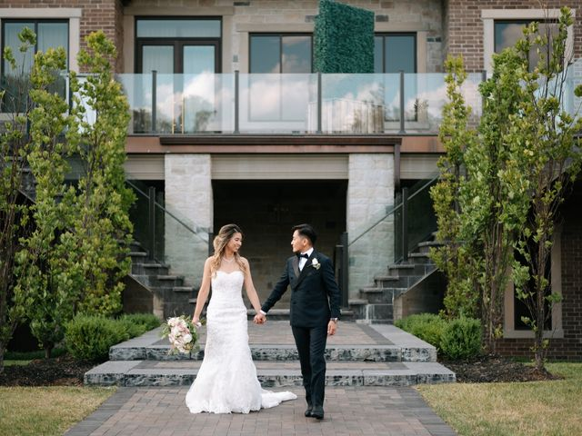 Dianne and Kristine's wedding in Toronto, Ontario 3